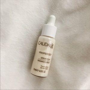 Caudalie • Vinoperfect Radiance Serum